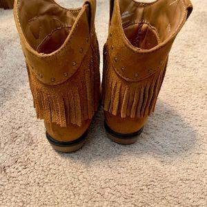 OshKosh B'gosh Shoes - Fringe brown boots for infant/toddler
